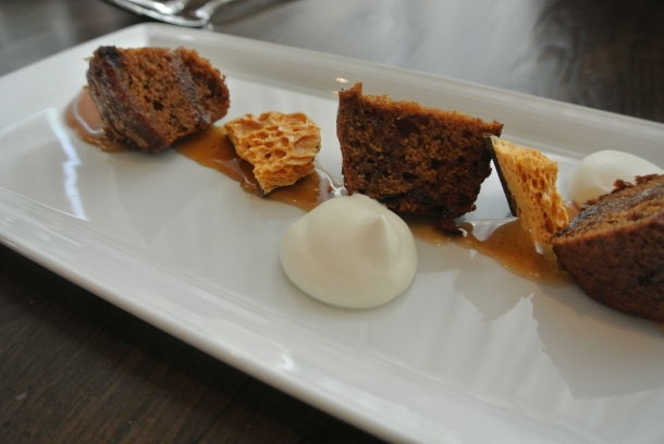 Dessert - Warm winter date cake with sponge toffee