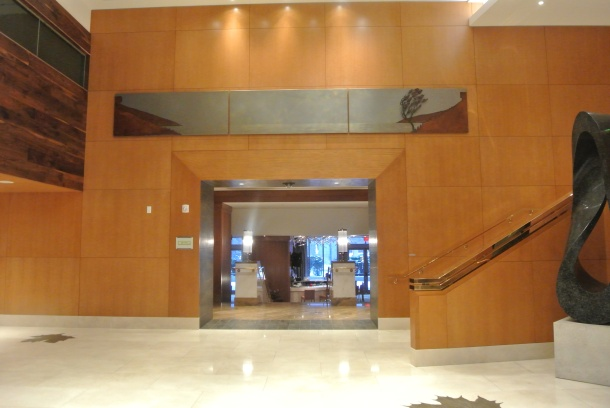 The entrance to the DEQ Lounge in the Ritz.