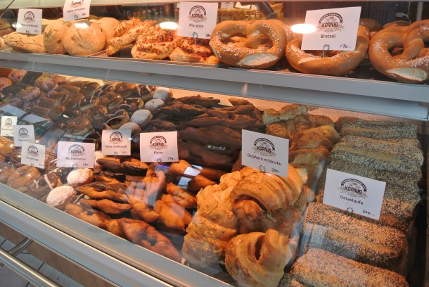 So many different pastries! Hard to choose!