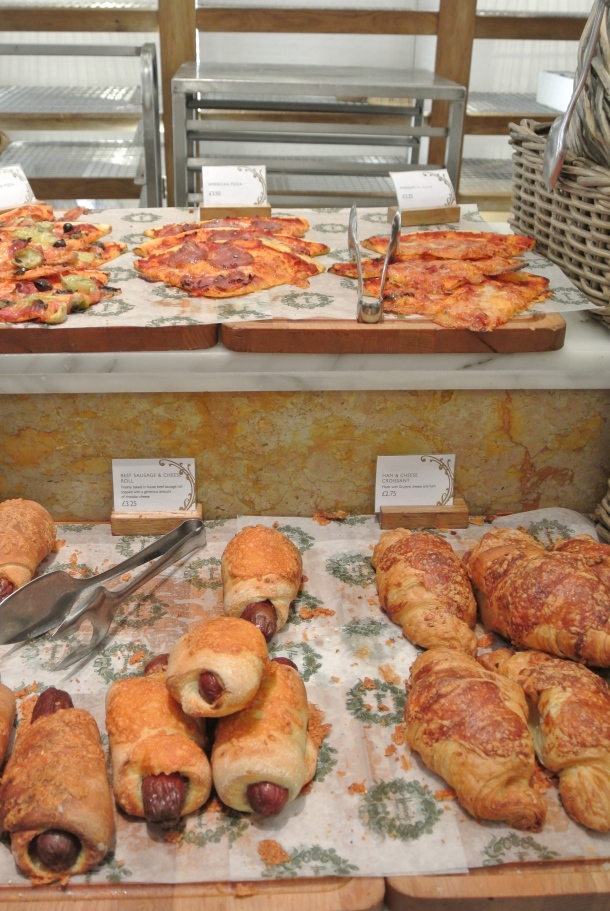 Pizzas, croissants and hot dog rolls!