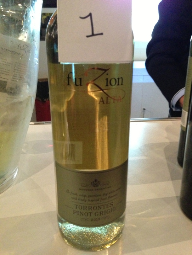 Trying some Argentinian wine - Fuzion's Pinot Grigio.