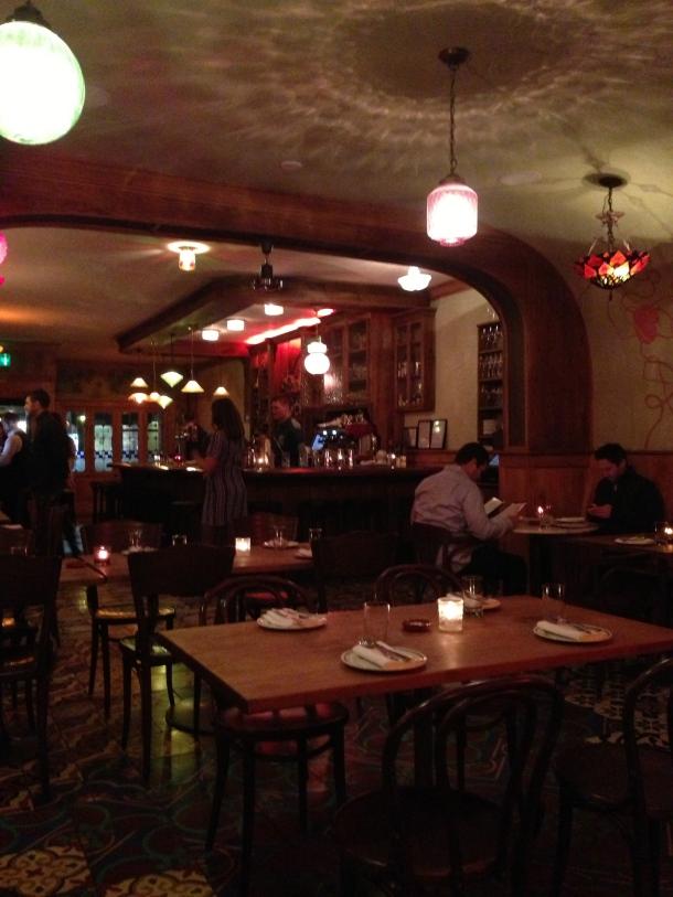 Inside Bar Isabel.