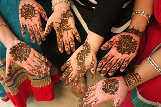 My mehndi (my hands are in the centre), loved it!