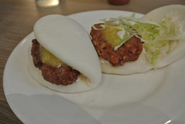 Noodle bar - chicken buns
