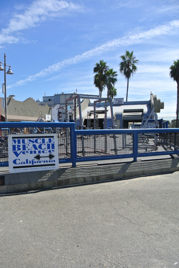 I couldn't resist throwing in a photo of the famous muscle beach gym.
