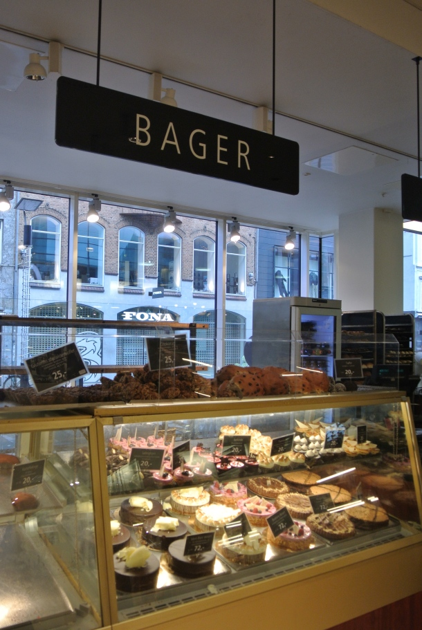 Bager - Baker/Bakery in Danish language.