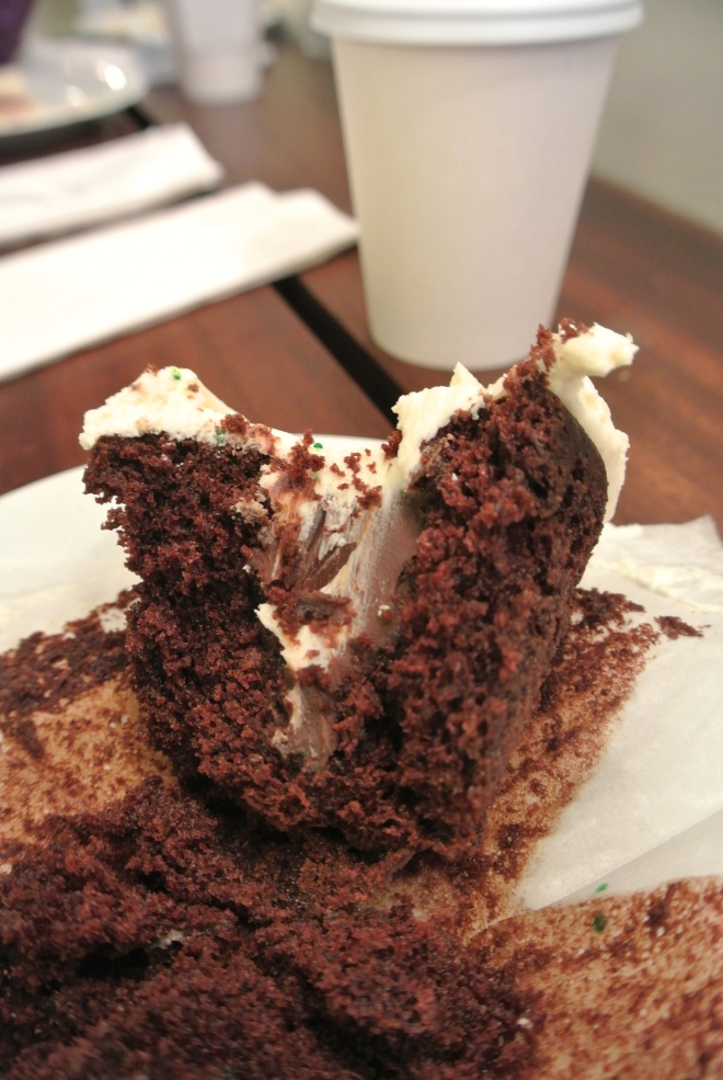A look Inside the Car Bomb cupcake.