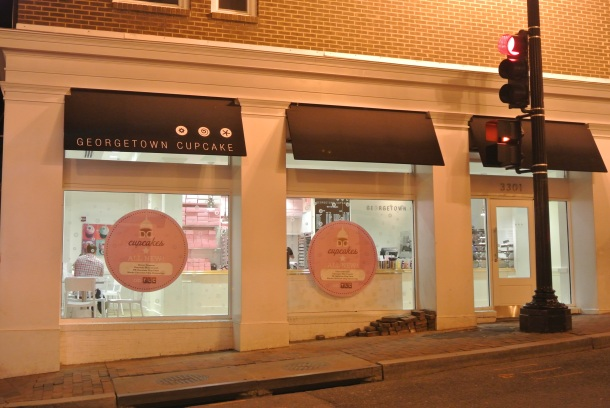 The famous Georgetown Cupcake.