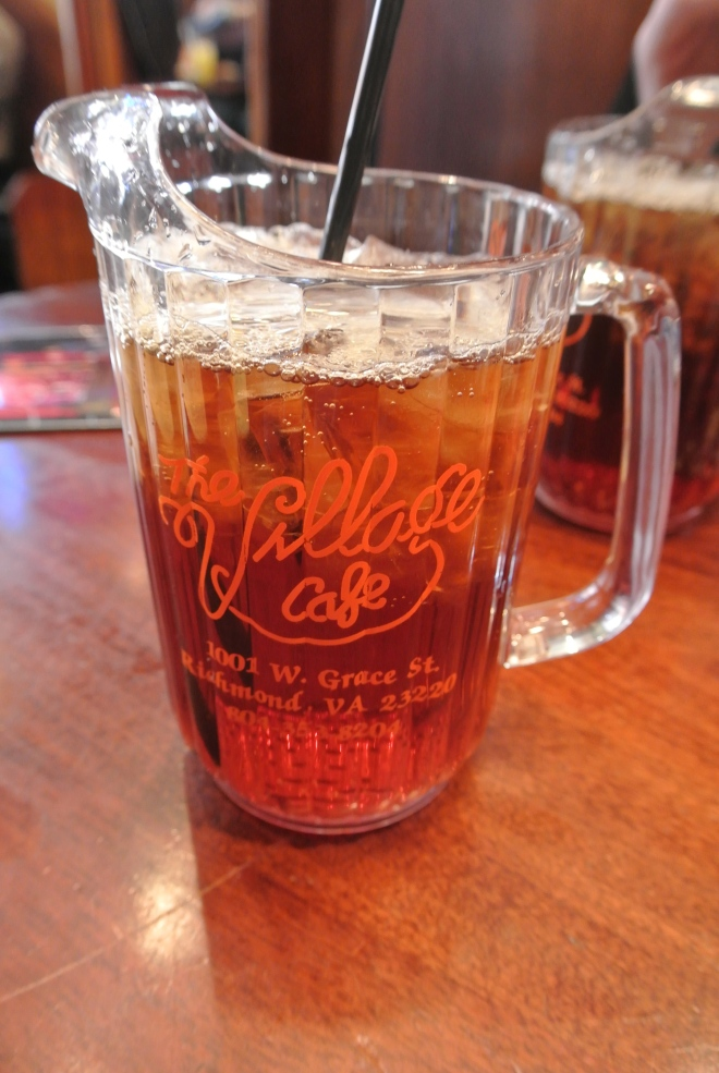 You know you're in the US when a glass of unsweetened iced tea comes in a mini pitcher.
