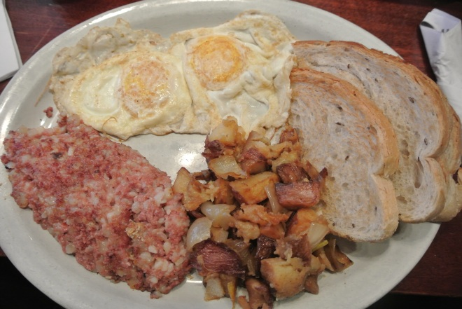 My order, corned beef hash with 2 eggs overeasy, rye toast and hash browns.