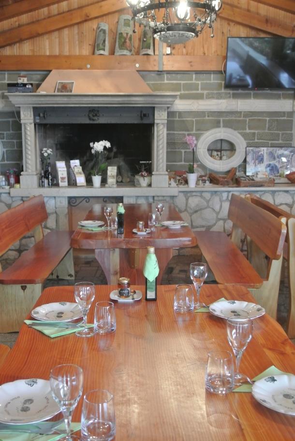 Karlic - dining room